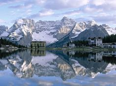 Lago Misurina, beautiful places to go in Italy. Italy Vacation, Italy Travel, Italy Trip, Landscape Wallpapers, Places To Travel, Places To See, Travel Destinations, Travel Trip, Places Around The World