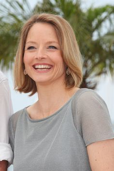"""Jodie Foster Photos Photos: Mel Gibson and Jodie Foster at the Second Photocall for """"The Beaver"""" at Cannes 2 Jodie Foster, Beautiful Old Woman, Beautiful Smile, Beautiful People, Alexandra Hedison, Female Actresses, Actors & Actresses, The Fosters, British Academy Film Awards"""