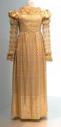 Museu Textil i d'Indumentaria | Museu Tèxtil i d'Indumentària - I have not found the date or other ...