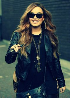 Demi Lovato- love the hair