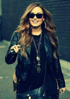 Demi Lovato- love the hair