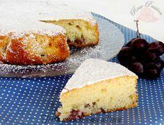 E' tempo di frutta autunnale e l'uva è la regina indiscussa delle nostre tavole, bianca o nera, è una vera miniera di proprietà benefiche. Ecco perchè mi piace averla sempre in casa e, oltre a gustarla come semplice frutto di stagione, la utilizzo per le mie dolci creazioni. E' il caso della Torta morbidissima all'uva, un dolce morbido con tanti acini di uva nera all'interno. Una Torta leggera e sana, con olio nell'impasto, ideale da proporre a colazione, per una gustosa merenda o da…
