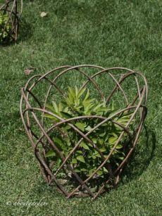 Plant supports - Plant supports is part of Willow garden Plant supports – - Garden Crafts, Garden Projects, Garden Art, Garden Design, Diy Garden, Garden Cottage, Edible Garden, Potager Garden, Garden Trellis