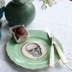 green skull tea plate