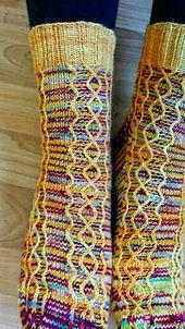 Anleitung auf Deutsch // Pattern available in English Crochet Socks, Knitting Socks, Crochet Stitches, Baby Knitting, Knit Crochet, Knit Socks, Knitting Needles, Knitting Patterns, Crochet Patterns