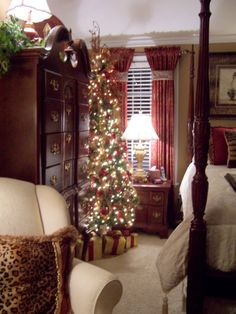 Christmas in every room ~ I Would Love A Christmas Tree In My Room ~ Maybe put one on the dresser (falling asleep to Christmas lights would be awesome! Love the curtain band detail Christmas Time Is Here, Merry Little Christmas, Country Christmas, All Things Christmas, Winter Christmas, Christmas Home, Christmas Lights, Christmas Crafts, Christmas Decorations