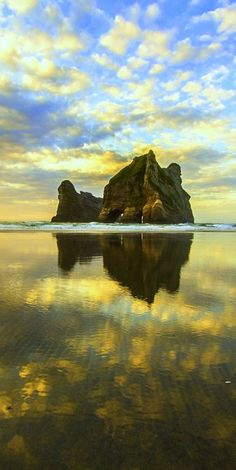 Archway Islands at Sunset - Wharariki Beach near Collingwood, Golden Bay, New Zealand