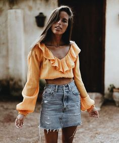 What to wear? Casual Summer Outfits of course. Cool girl casual is a SoCal babe specialty. Look Fashion, Fashion Outfits, Womens Fashion, Fashion Trends, Modest Fashion, Fashion Ideas, Looks Cool, Looks Style, Spring Summer Fashion