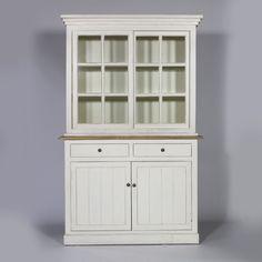 #Vaisselier #blanc en #bois avec 2 portes coulissantes. Meuble fonctionnel et astucieux.