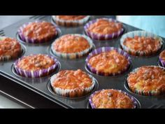 Des muffins salés façon pizza - YouTube Facon, Beignets, Ramadan, Breakfast, Pizza Muffins, Grated Cheese, Greedy People, Food