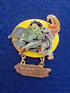 Disney Pirates of the Caribbean Davy Jones Too Late to Turn Back Dangle Pin #piratesofthecaribbean #davyjones #pirate #disneypin #disneyland #disney #disneytradingpin #pins #collectible #pin #danglepin