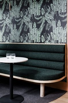 Super Ideas For Modern Banquette Seating Restaurant Interior Design Bar Restaurant Design, Deco Restaurant, Luxury Restaurant, Modern Restaurant, Vintage Restaurant, Outdoor Restaurant, Restaurant Interior Design, Home Interior, Modern Interior Design