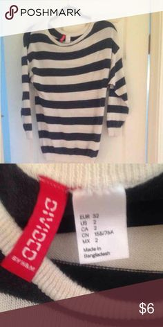 ❤️BOGO❤️Black and White Striped Sweater Divided by H&M brand black and white striped long sleeved top. Size 2 - can fit S but also M because it has some stretch. Right now buy one eligible item and get a second one FREE or take 15% off of bundles. H&M Sweaters Crew & Scoop Necks