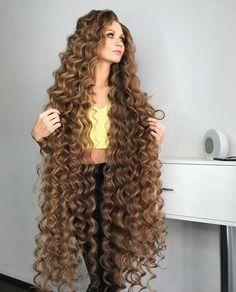 Rapunzel Hair, Long Curls, Very Long Hair, Layered Cuts, Female Images, Kinky, Curly Hair Styles, Beauty, Beautiful