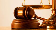Právne poradenstvo je počin, ktorého sa netreba báť. Rozvádzate sa? Riešite dedičské konanie? Naťahujete sa o striedavú starostlivosť? To všetko sú vážne veci pri ktorých vám právnici radi pomôžu.