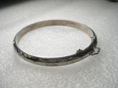 "Vintage Sterling Silver Engraved Scrolled Hinged Bangle Bracelet,  6.5"" 8.04 gr. #unsigned #banglebraceletwithsafetychain"