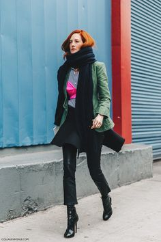 NYFW-New_York_Fashion_Week-Fall_Winter-16-Street_Style-Taylor_Tomasi_Hill-Khaki_Jacket-Leather_Pants-Pink_Bra-2