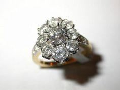Bague Pompadour entourage diamants