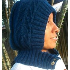 "**As seen in ""1000 Fabulous Knit Hats"" by Annie Modesitt** **NEW JANUARY 2013** Instructions are now included for knitting this hood all in one piece with No Seaming!"