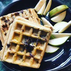 Happy Friday! Gluten free blueberry waffles to start our day. With lots of Kerrygold butter on top! . . . . . . . #mom#mama #momlife#fitmom#postpartumfitness #toddler#toddlermom#breastfeeding #breastfeedingmom#nursingmom #healthcoach#iin#nutritionschool #iinhealthcoach#holisticnutrition #integrativenutrition#healthcoaching #nourishment#eatarainbow#paleo #eatclean#cleaneating#healthy #healthyeating#healthyfood  #breakfast #glutenfree