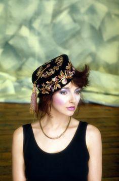 Kate Bush. Photo by Guido Harari, 1985.
