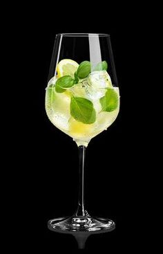 Ginger Ale, Cocktail Drinks, Alcoholic Drinks, Schweppes Cocktails, Alcohol Free, Prosecco, White Wine, Juice, Food And Drink