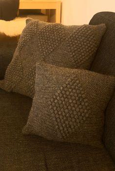 Free crochet pattern square pillow