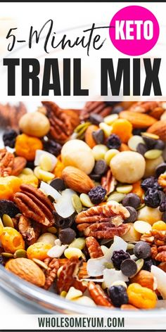 This low carb keto trail mix has nuts, chocolate, and dried fruit - all with no added sugar and only 5g net carbs! Super easy to make in just 5 minutes. #wholesomeyum Ketogenic Recipes, Low Carb Recipes, Real Food Recipes, Ketogenic Diet, Yummy Food, Keto Friendly Desserts, Keto Desserts, Recipe With 10 Ingredients, Wheat Belly Recipes