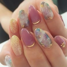 Eplore creative and beautiful nail art & nail designs to inspire your next manicure. Try these fashionable nail ideas and share them with us at Perfect Nails, Gorgeous Nails, Perfect Makeup, Cute Nails, Pretty Nails, Hair And Nails, My Nails, Glitter Nails, Gold Glitter