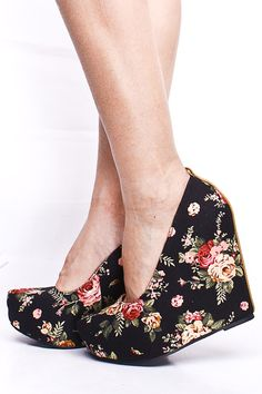 I HAVE A DRESS THAT MATCHES THESE PERFECTLY... NO JOKE. WHERE DO I BUY THESE?!