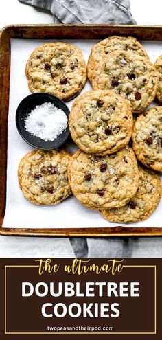 You have to try this insanely popular recipe for Doubletree Cookies! A batch of this dessert can be whipped up in no time. Loaded with chocolate chips, these huge holiday treats will have you falling in love. Find out the secret ingredients that make them legendary! Chocolate Chip Cookies, Doubletree Chocolate Chip Cookie Recipe, Doubletree Cookies, Chocolate Chips, Famous Chocolate Chip Cookie Recipe, Köstliche Desserts, Delicious Desserts, Dessert Recipes, Recipes Dinner