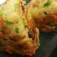 炊き込みご飯 リメイク 焼きおにぎり Baked Potato, Potatoes, Baking, Ethnic Recipes, Food, Potato, Bakken, Essen, Meals