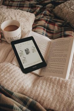 Cozy Aesthetic, White Aesthetic, Aesthetic Movies, Kindle, Coffee And Books, My Books, Reading Motivation, Book Instagram, Inspirational Books
