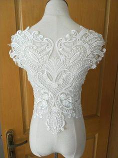 Un Bianco da Sposa Pizzo Floreale Applique matrimonio motivo decorativo in pizzo per sale.sold per pezzo