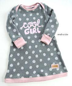 Ein kleines Zeitfenster am Vormittag genutzt und ein Kinderkleid von @klimperklein genäht! Ich liebe diesen Schnitt ❤️❤️❤️ Plott von @misses_cherry_blog dazu und fertig ist das neue Lieblingskleid ❤️ #ichliebenähen #klimperklein #missescherry #plotterliebe #plotter #coolgirl