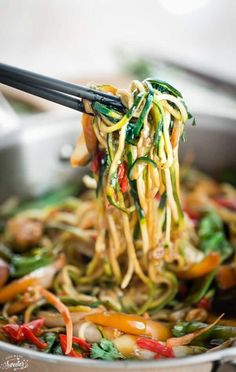 Healthy Chicken Chow Mein Zoodles makes the perfect easy weeknight meal Best of all takes under 30 minutes to make and so much better than takeout! Zoodle Recipes, Spiralizer Recipes, Fish Recipes, Whole Food Recipes, Chicken Recipes, Cooking Recipes, Keto Recipes, Cooking Fish, Ketogenic Recipes