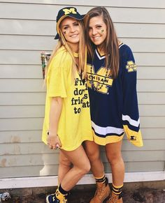 University of Michigan Game Day // Kinetic Society Apparel College Goals, College Game Days, College Outfits, College Life, Best Friend Pictures, Bff Pictures, Bff Goals, Best Friend Goals, Michigan Game