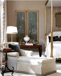 Dormitorio con diván. Bedroom with chaise longue