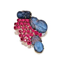 Sapphire and ruby brooch, Suzanne Belperron, 1950s - A.lain R. T.ruong