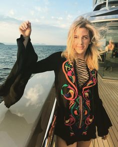 See this Instagram photo by @elliegoulding • 66.5k likes