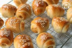 The other day I saw my sister bought some mini sausage bread rolls from a nearby bakery shop. She told me this sausage bread roll was goo. Sausage Bread, Sausage Rolls, Bread Jam, Bread Rolls, Cookie Recipes, Dessert Recipes, Desserts, Bread Recipes, Nasi Lemak