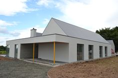James Corbett Architects is an architecture practise based in Limerick City. Country House Design, Bungalow House Design, Cottage Design, Bungalow Ideas, Bungalow Exterior, Bungalow Renovation, Cottage Exterior, House Designs Ireland, Courtyard House Plans