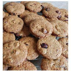 Áfonyás zabkeksz   Betty hobbi konyhája Biscotti, Hamburger, Paleo, Sweets, Cookies, Cukor, Desserts, Food, Anna