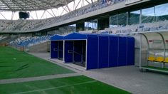 Tunel teleskopowy na stadion piłkarski