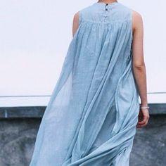 Dual Layer Loose Style Linen Dress by zeniche on Etsy Love the flowy-ness Boho Fashion, Womens Fashion, Fashion Design, Moda Boho, Bohemian Mode, Yohji Yamamoto, Linen Dresses, Mode Inspiration, I Dress