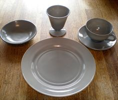 Hazel Atlas Platonite Glass Single Place Setting in Gray
