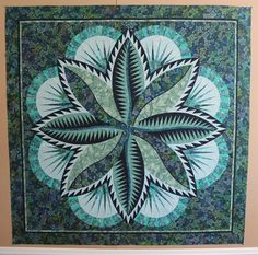 Fire Island Hosta, pattern by Judy Niemeyer.  Fabric selection and piecing by CI Kelly Grant
