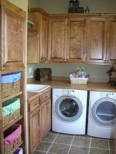 mud/laundry room...countertop over washer and dryer