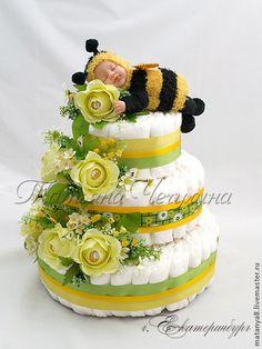 """Подарки для новорожденных, ручной работы. Ярмарка Мастеров - ручная работа Торт из подгузников """"Пчелка"""". Handmade."""