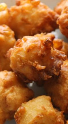 Best-Ever Corn Fritters Recipe ~ Little bites of golden brown perfection with a maple syrup drizzle. Corn Fritter Recipes, Corn Recipes, Vegetable Recipes, Recipies, Cornmeal Recipes, Side Recipes, Bread Recipes, Corn Dishes, Vegetable Dishes